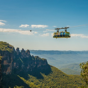 BLUE MOUNTAINS IN STYLE