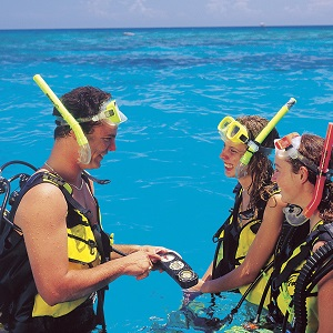 FULL DAY GREAT BARRIER REEF TOUR