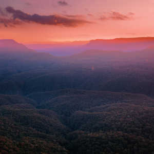 What is there to do in the Blue Mountains for the day?